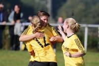 Britta Dransfeld trifft zum 1:0 für den TuS Bruchhausen.