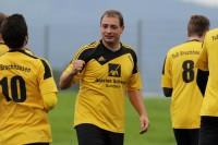 Dirk Mikolajczak, der am Freitag 28 Jahre alt wurde, fällt länger verletzungsbedingt aus.