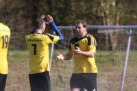 Dirk Mikolajczak trifft per indirektem Freistoß.