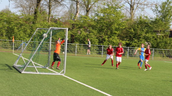 Tim Hollmann erzielt das 2:1 gegen Rødby Boldklub
